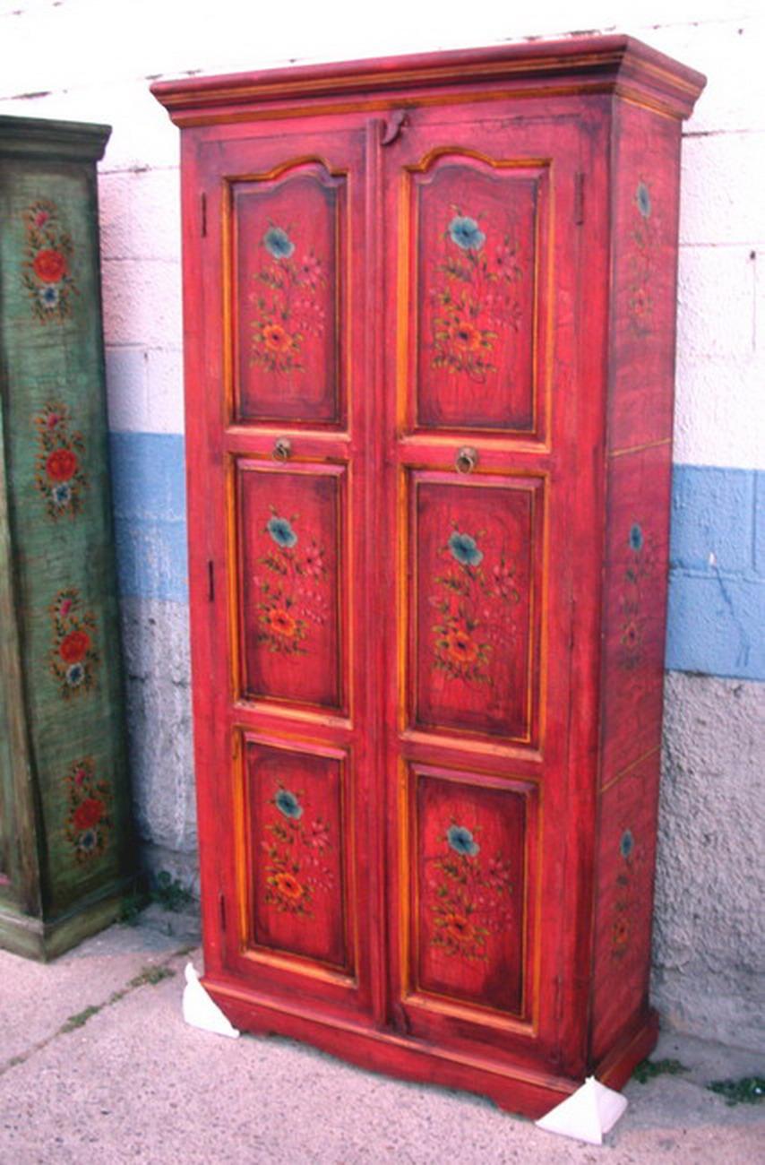 Armarios en Venta: Foto armario rojo