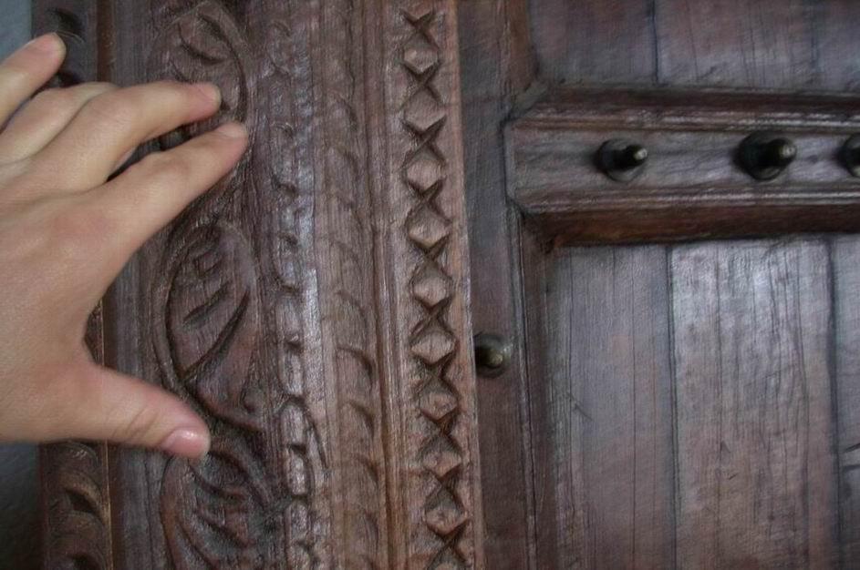 Pin portones herreria yakaz inmobiliario and post disenos - Portones de madera antiguos ...